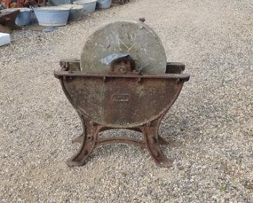 Millstone Grinding Wheel Sandstone Iron Base