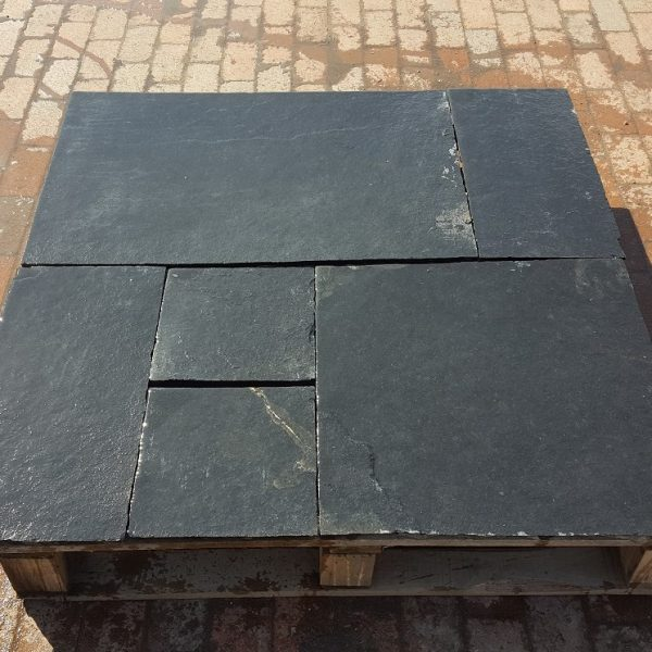 Black Limestone Calibrated & Untumbled Patio Packs Individual Sizes