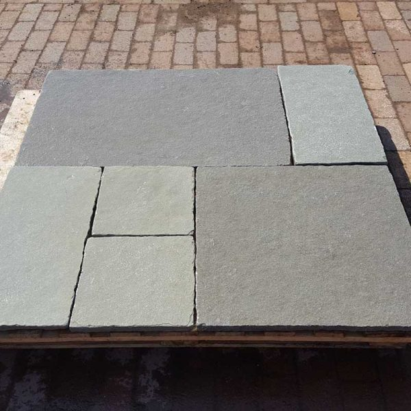 Kota Blue Calibrated and Tumbled 30mm Patio Pack