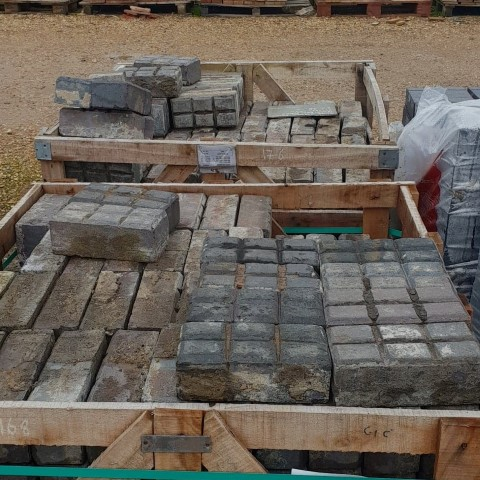 6 Bar Victorian stable pavers - blue - reclaimed