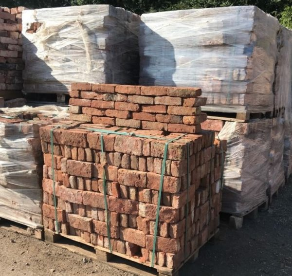 Reclaimed Red Bricks Discount