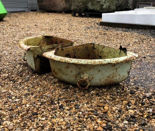 Cast Iron Corner Troughs with Rings