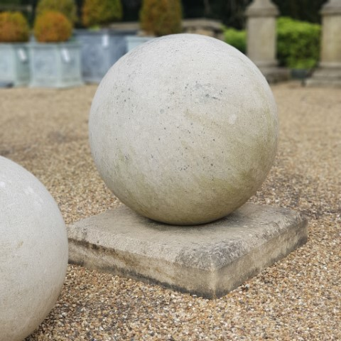 Clipsham Stone Base for Ball Finial