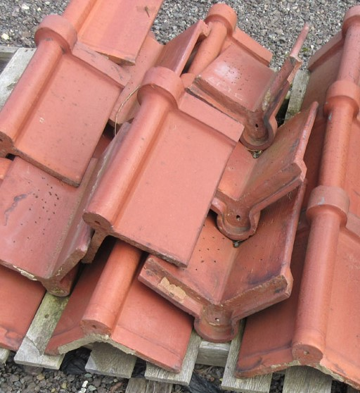 Reclaimed Interlocking Clay Ridge Tile