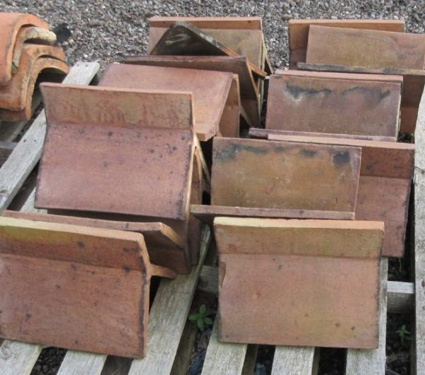 Reclaimed Red Crested Clay Ridge Tile