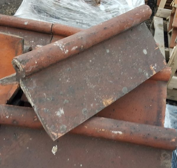 Reclaimed Red Roll Top Clay Ridge Tile