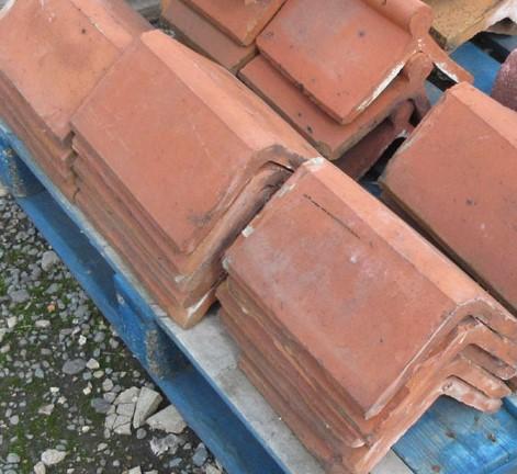 Red Triangular Flat Top Reclaimed Clay Ridge Tile