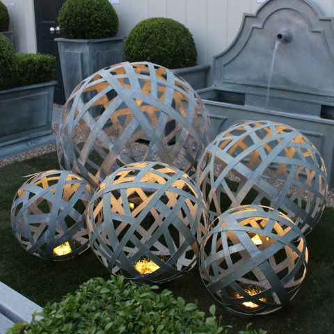 Zinc Lattice Balls with Outdoor Lighting (Small)