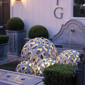 Zinc Lattice Balls with Outdoor Lighting1 (Small)