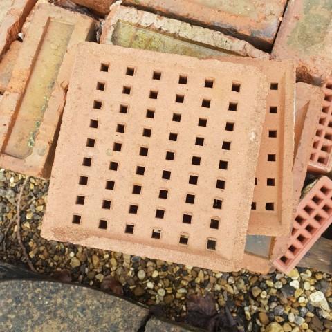 Reclaimed Air Bricks
