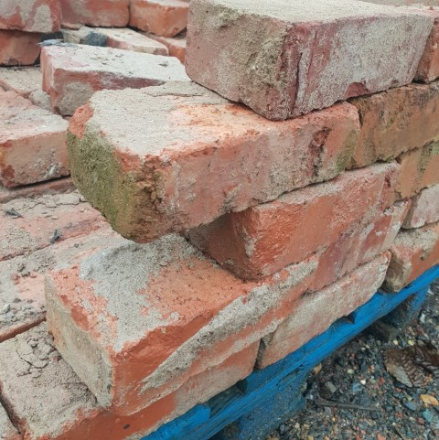 Reclaimed Red Wire Cut Brick
